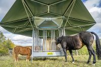 Schaduwdak voor paarden voerruif