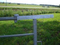 Klapoversluiting voor landhek